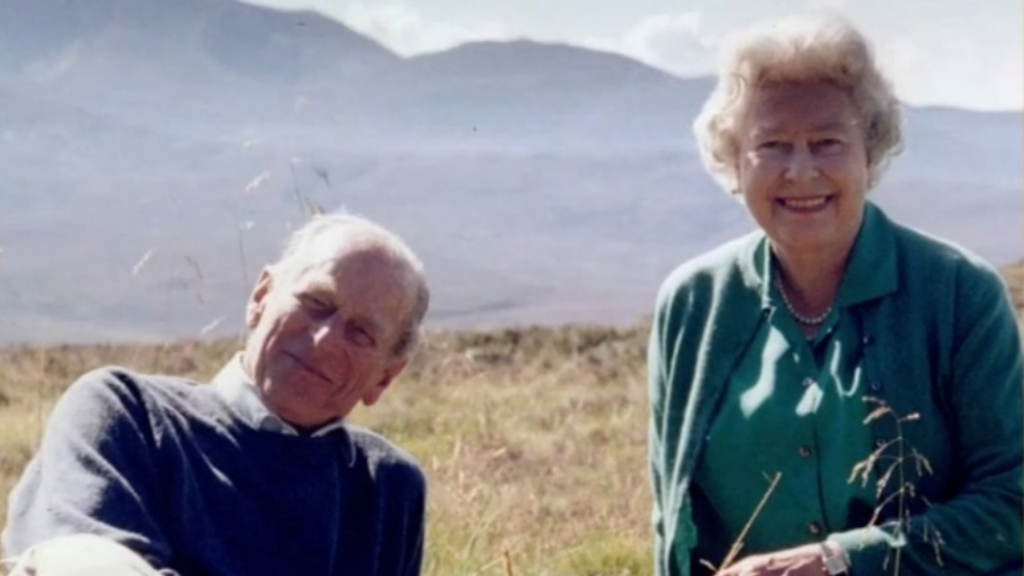 Queen shares photo of late husband hours before funeral