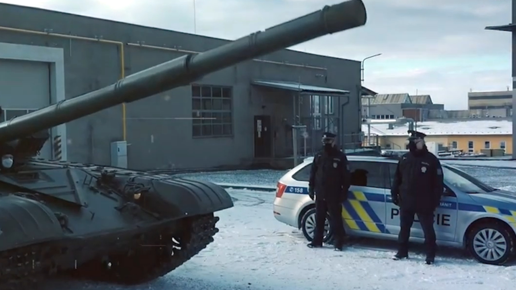 Czech police joke about getting tank in weapons amnesty