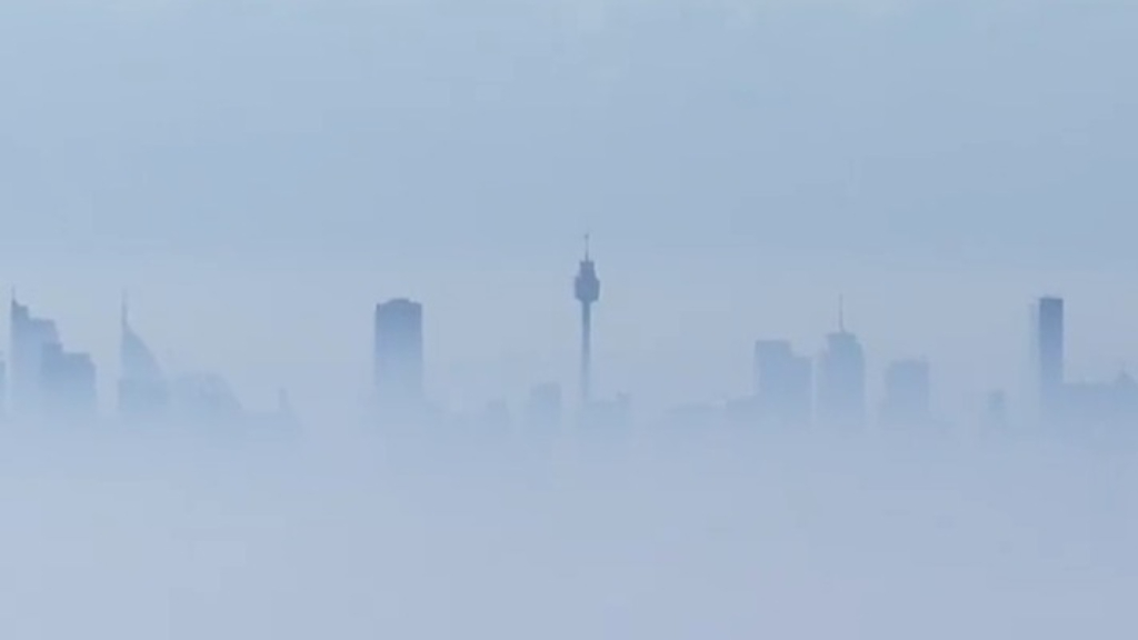 Sydney air quality 'extremely poor' after hazard reduction