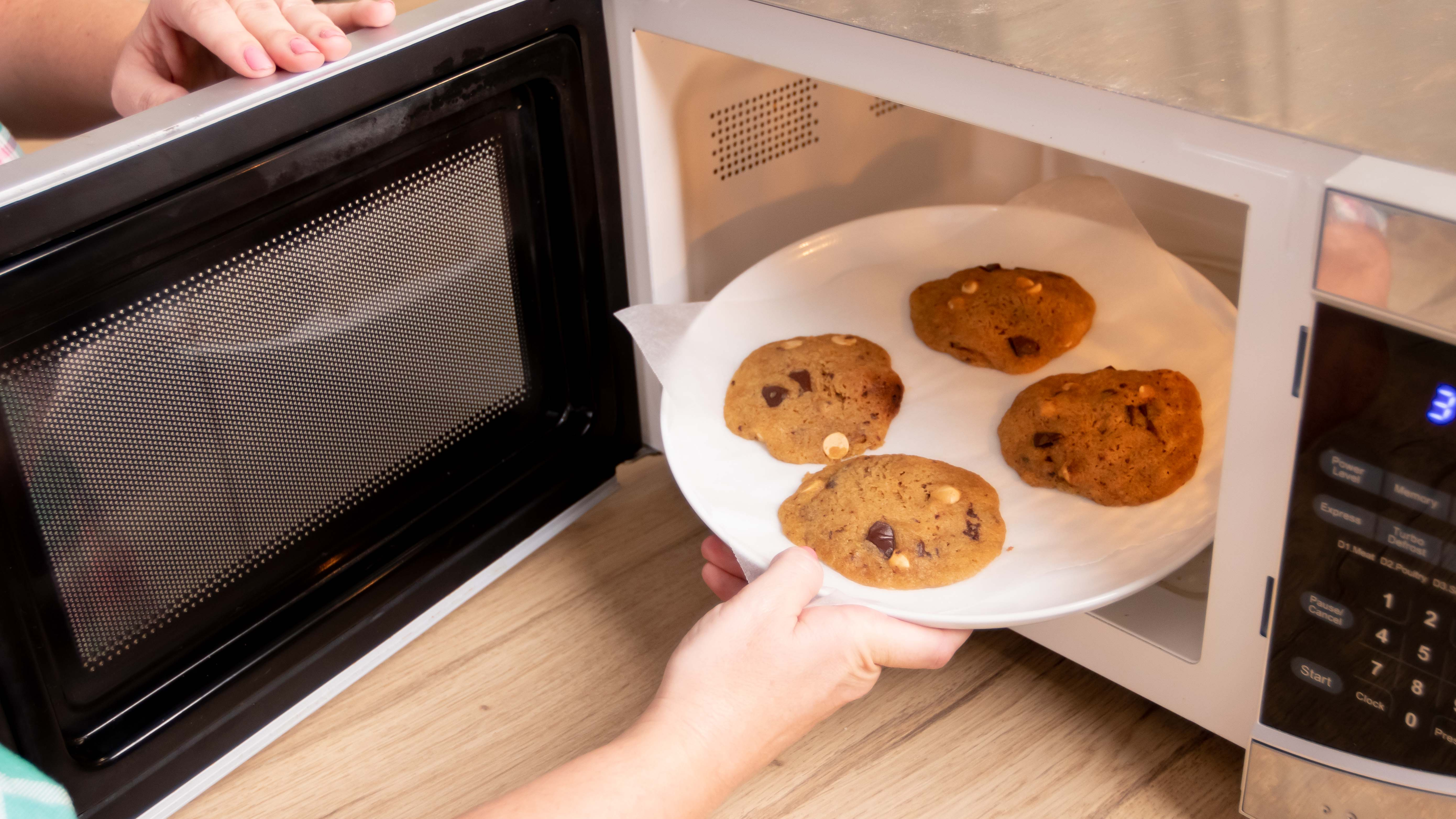 Microwave cookies are easy and quick