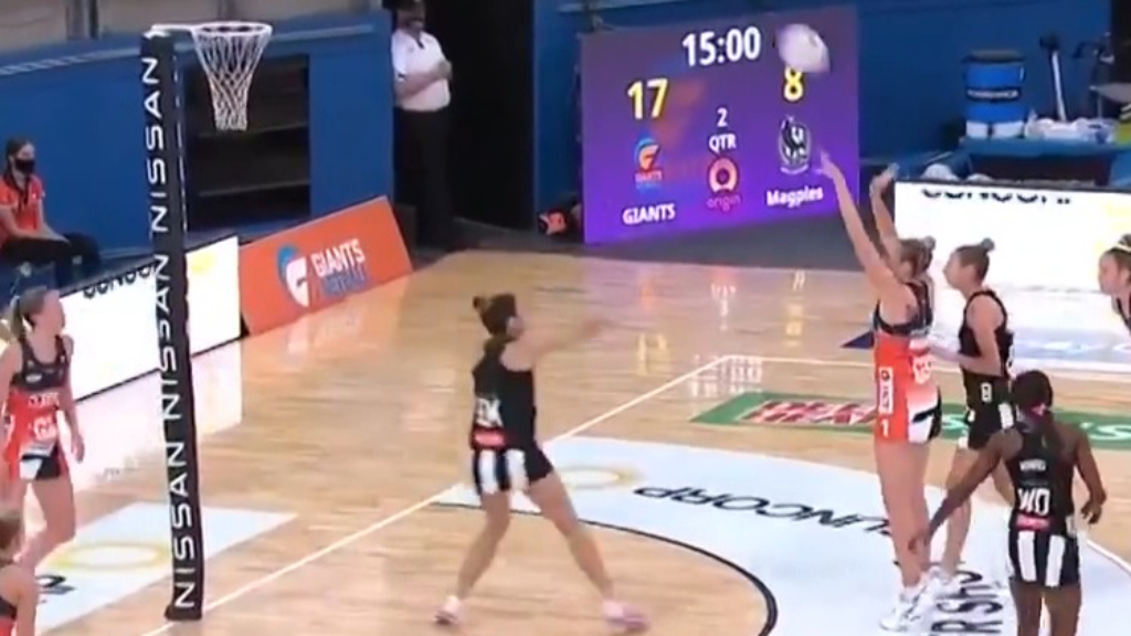 Jo Harten sinks super shot for Giants