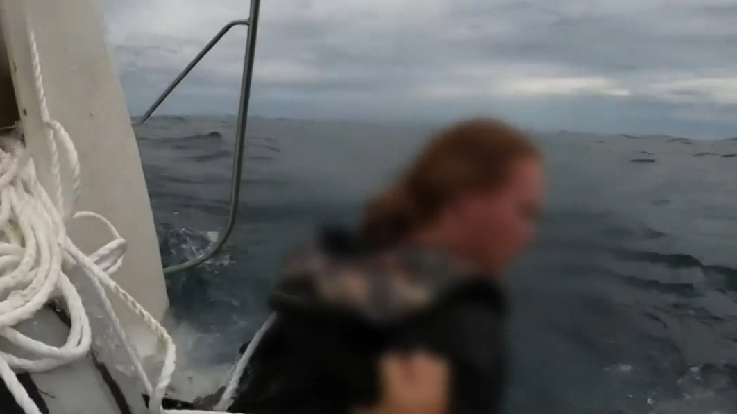Young fishermen rescued after boat sinks off WA coast