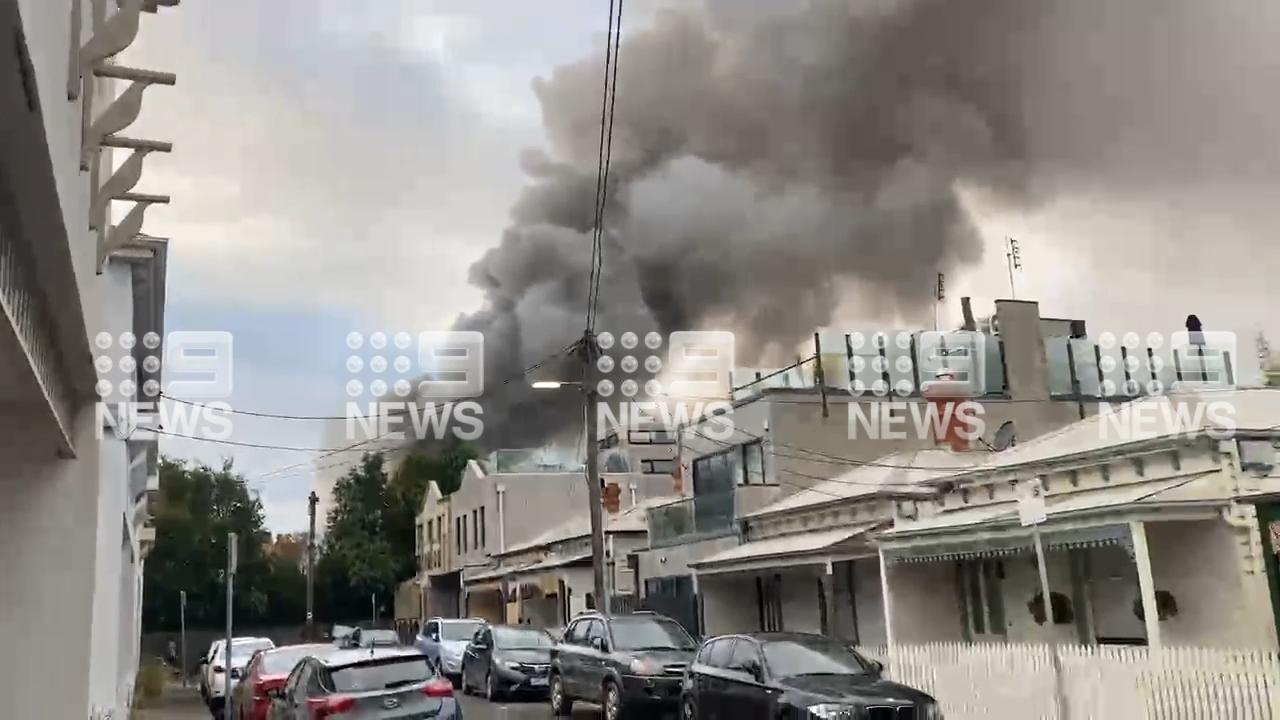 Huge blaze engulfs Melbourne home