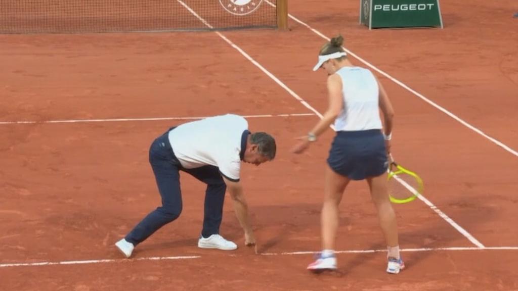 Barbora Krejcikova denied by umpiring blunder on match point