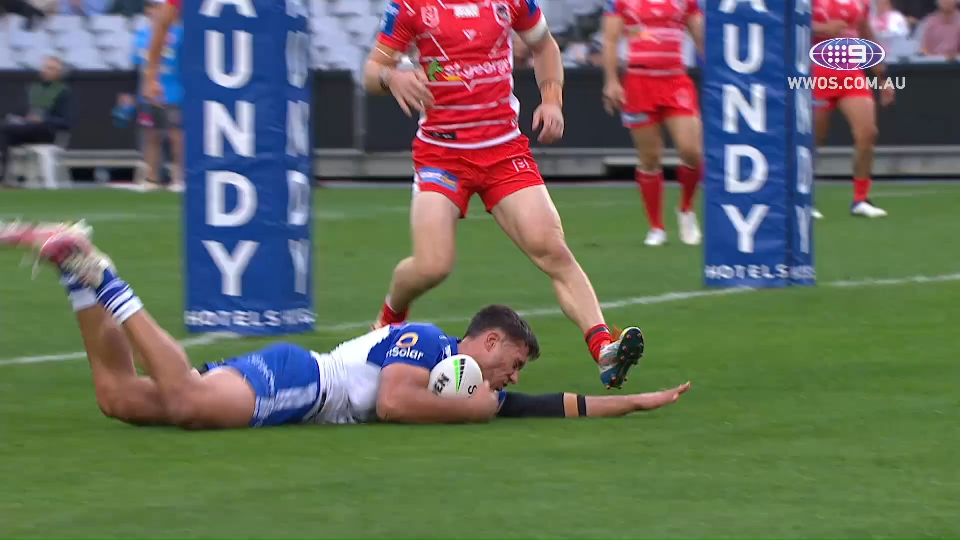 NRL Highlights: The Bulldogs upset the Dragons in a blowout - Round 14