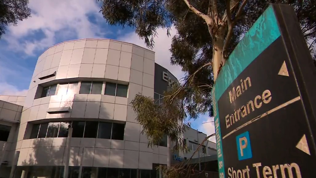 Victorian authorities confirm hospital blunder as restrictions ease