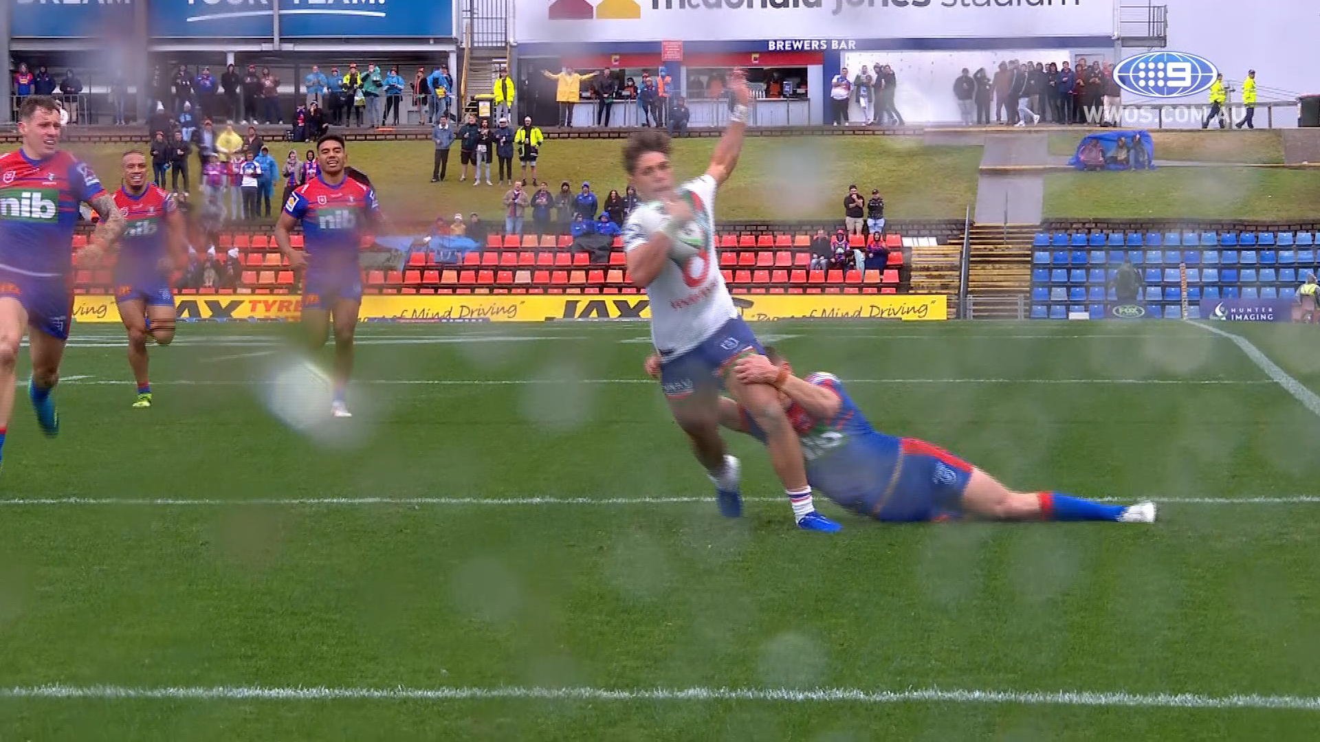 NRL Highlights: The Knights outlast the Warriors in a wet weather battle - Round 15
