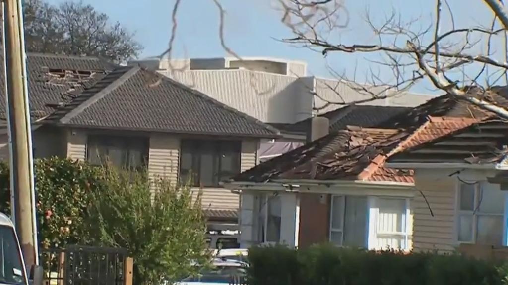 Tornado-like storm rips through Auckland's south