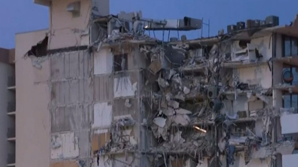 Miami wakes to devastation after building collapses