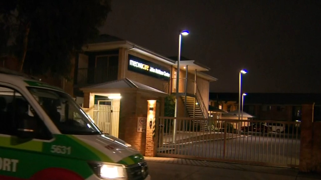 Fears Victoria's lockdown could extend after outbreak in aged care home