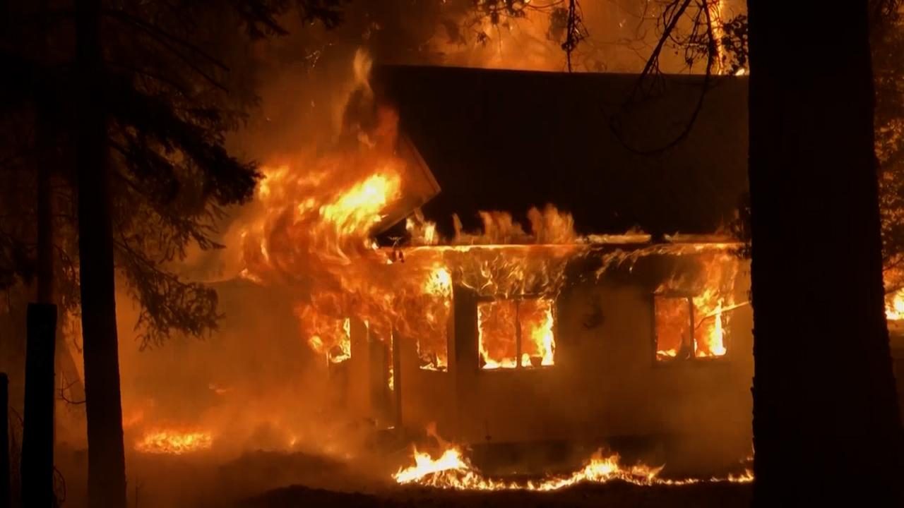 Californian wildfires destroy dozens of homes