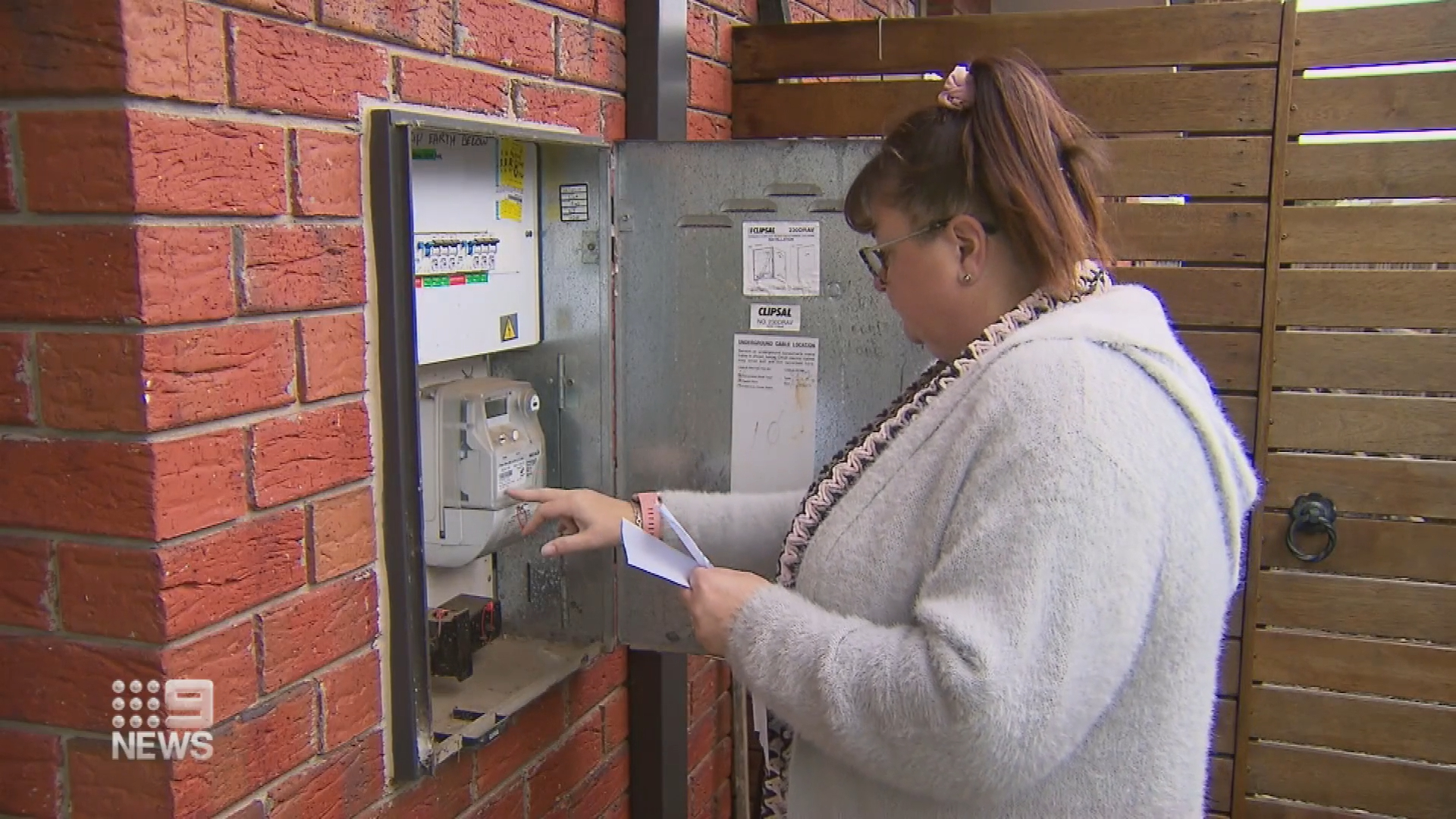 Hundreds of energy customers scammed