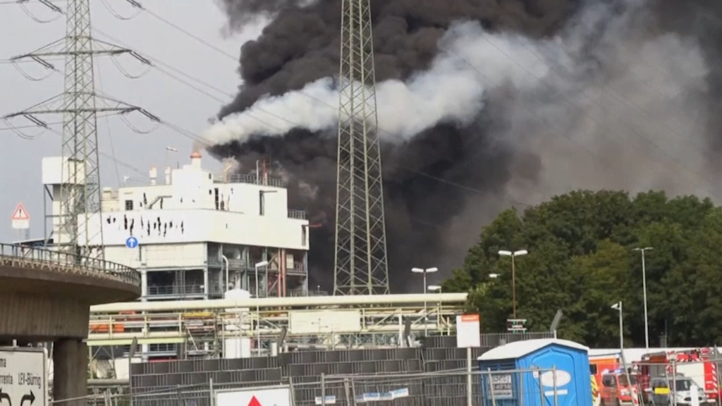 Explosion at German chemical complex declared extreme threat