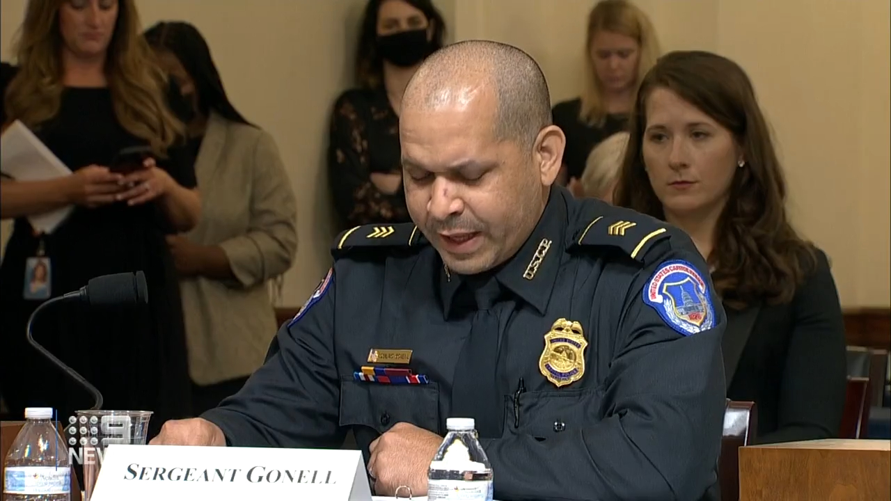 Police officers break down in US Capitol hearing