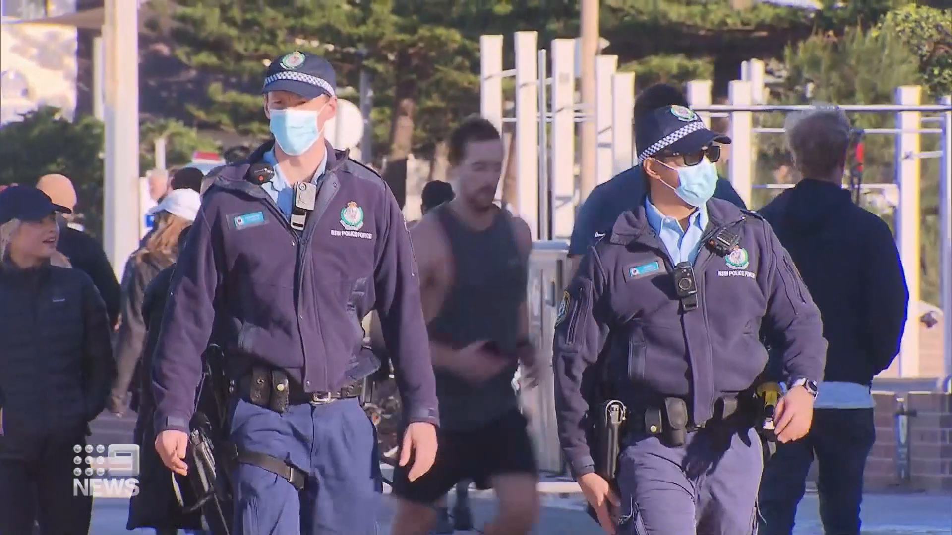 Hundreds of police to enforce COVID rules