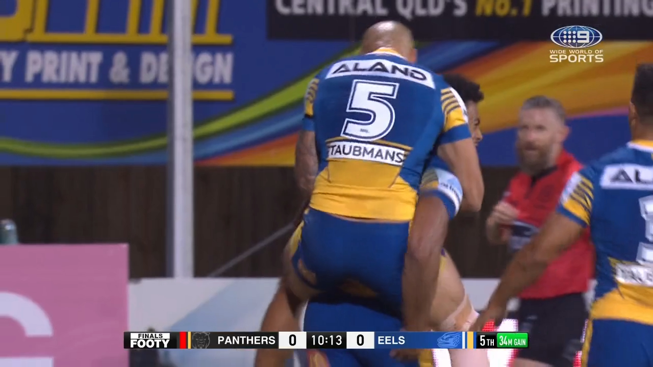 Wild Moses bomb sets up try