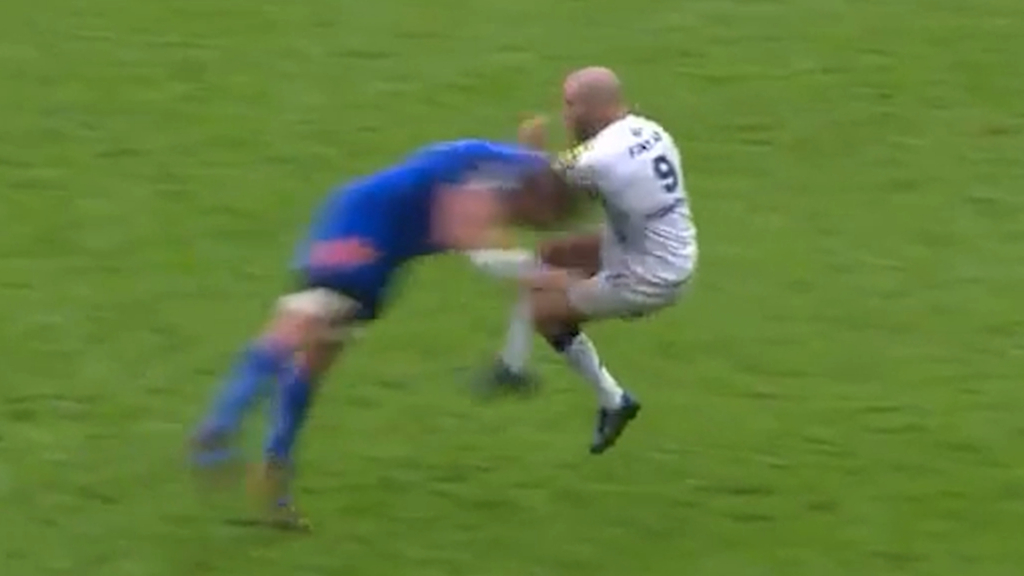 Sickening rugby tackle gets red