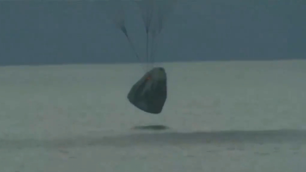 SpaceX capsule successfully and safely returns from orbit
