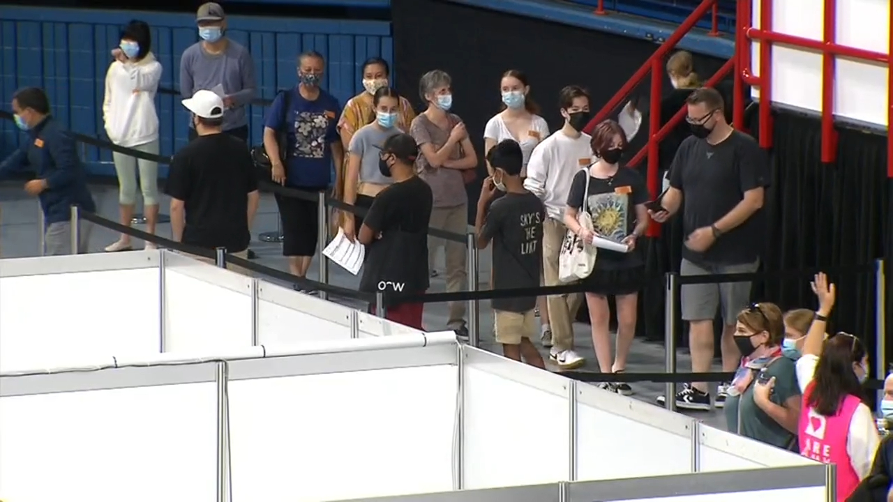 COVID-19 case spent 'hours' at Brisbane Airport