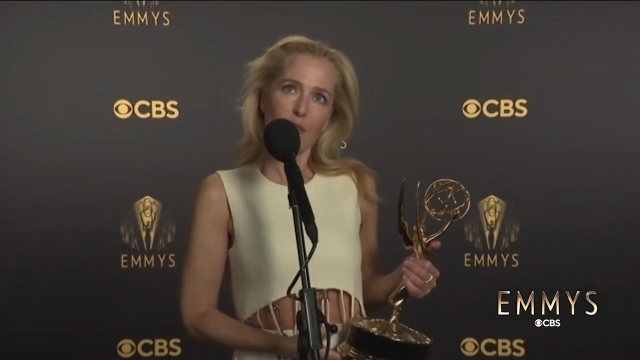 Reporter asks Gillian Anderson about Margaret Thatcher