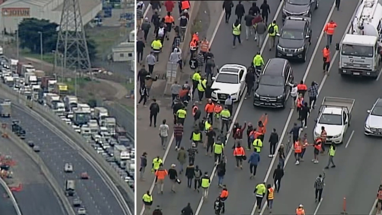 Protesters block West Gate Freeway