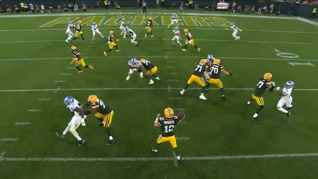 Aaron Rodgers connects with Aaron Jones on a touchdown