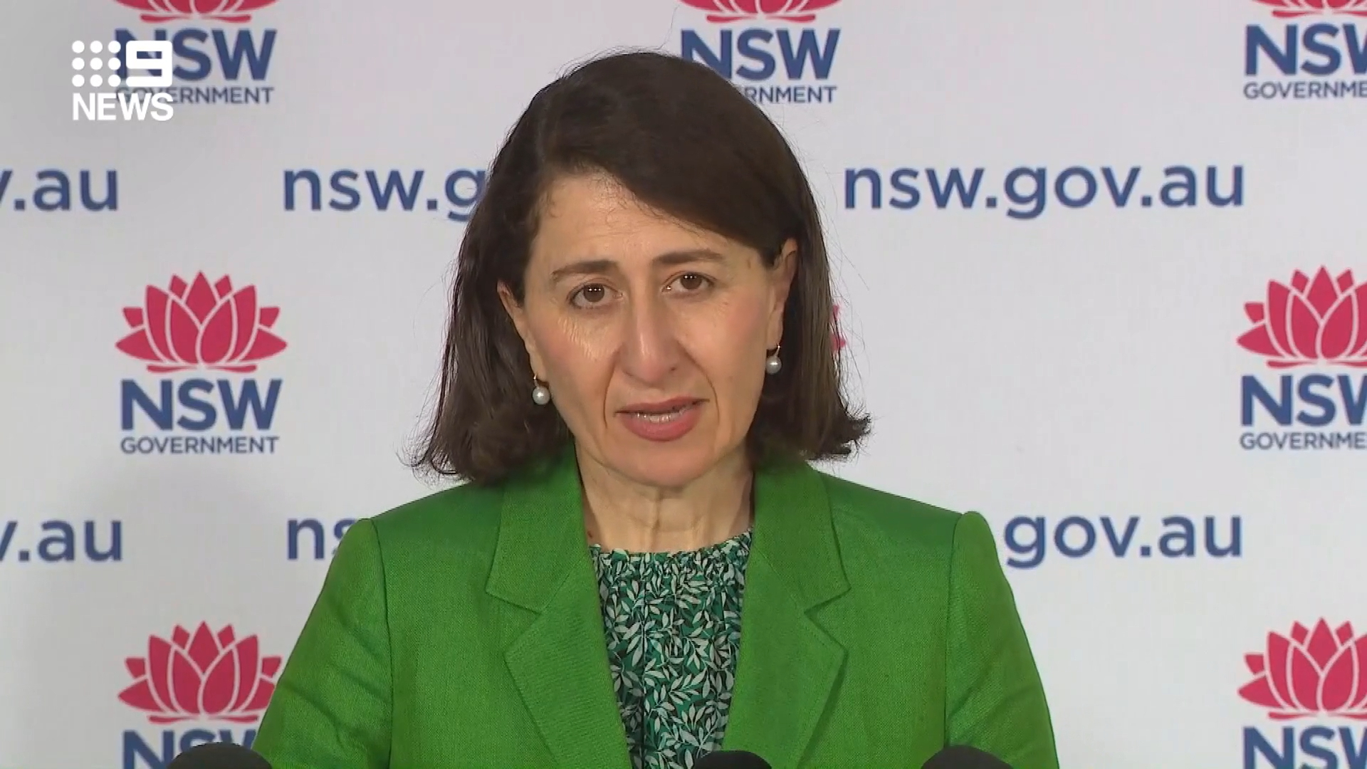 NSW records 1035 new local COVID-19 cases and five deaths