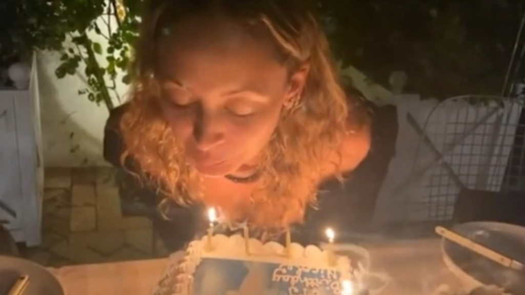 Nicole Richie's hair catches fire as she blows out candles on her birthday