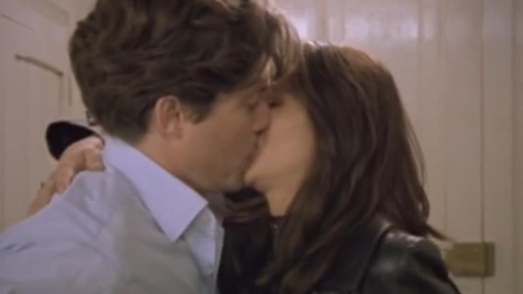 Notting Hill trailer starring Hugh Grant and Julia Roberts
