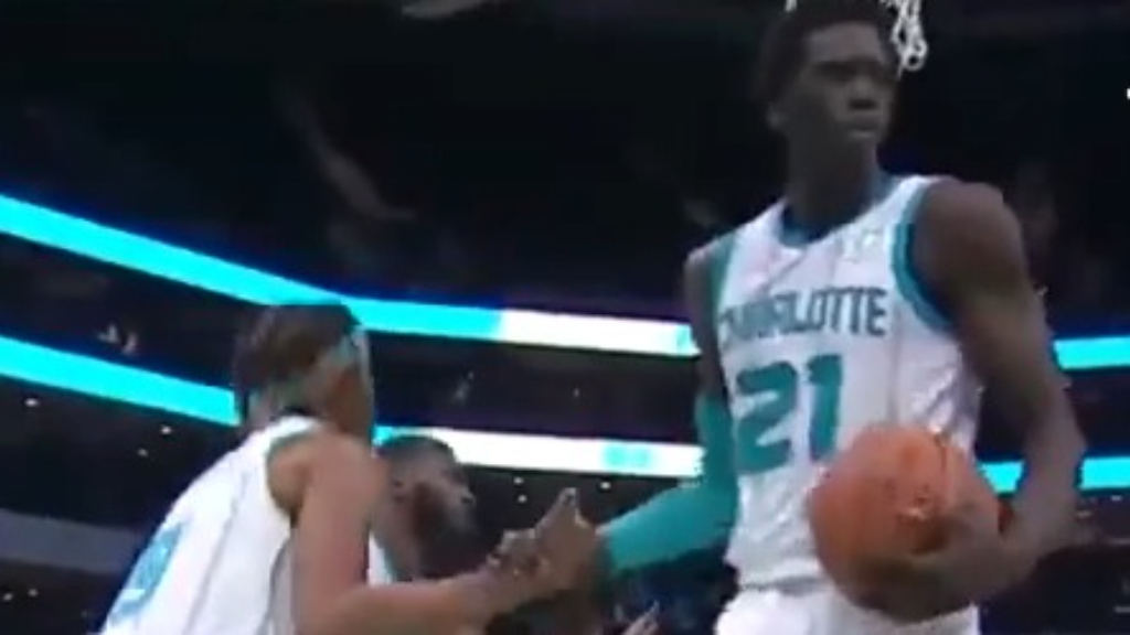 Hornets claim unwanted NBA record