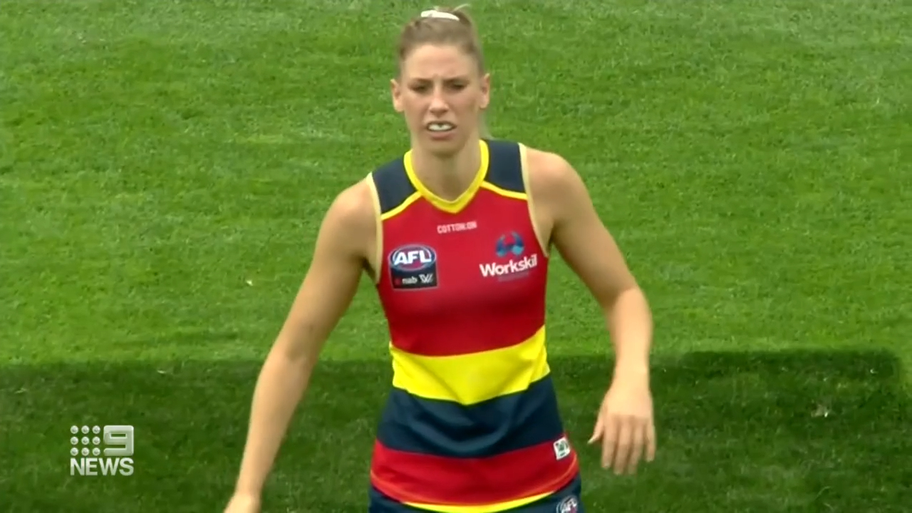AFLW player reportedly refuses vaccine
