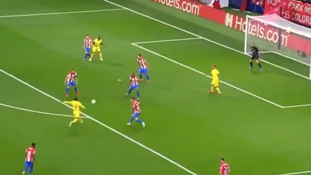 Keita slams volley home for Liverpool
