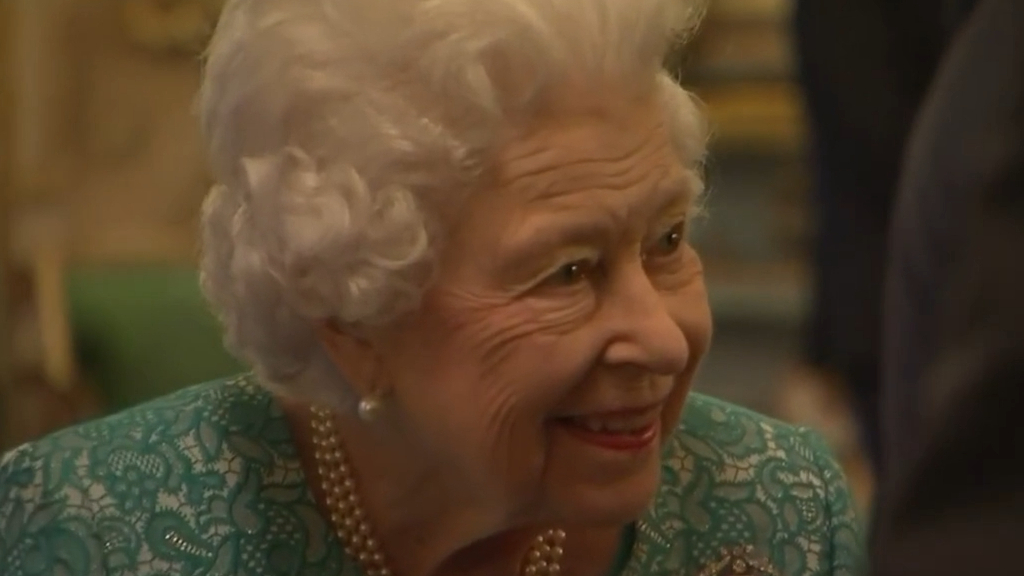 Queen hosts Global Investment Summit