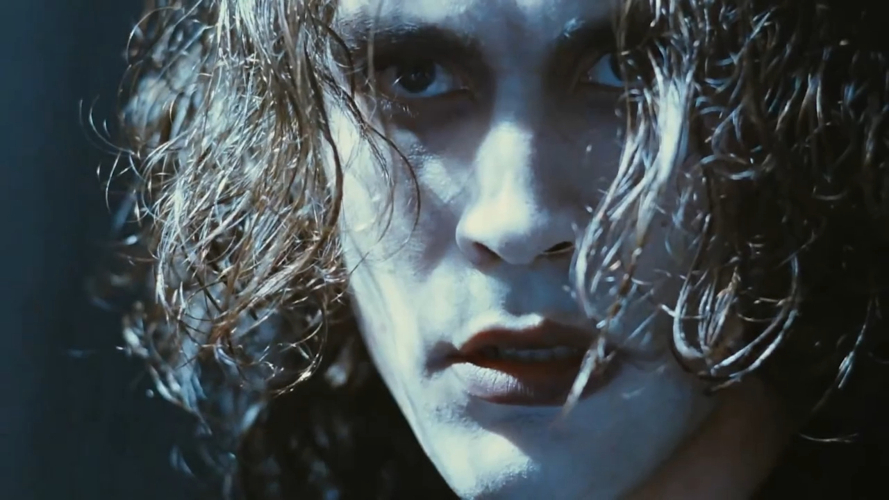 Official trailer for The Crow (1994)