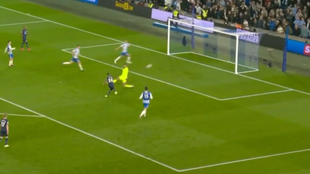 Chelsea, Man City record crushing wins