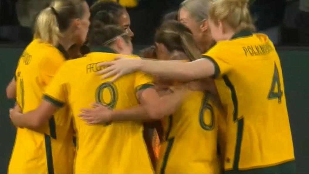 Sam Kerr extends the Matildas' lead