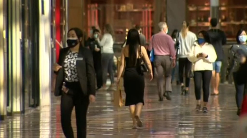 Vaccination grace period for Victorian shoppers
